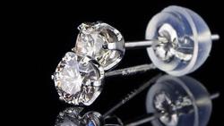 プラチナ合計0.40ctダイヤモンドピアス 水平方向で回転(ペア)