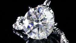 プラチナ0.90ctダイヤモンドペンダントネックレス 縦置き正面