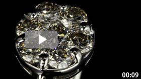 7石ダイヤモンドリング 超拡大 黒背景