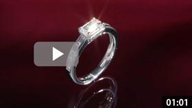 エメラルドカットダイヤモンドリング 縦置き ワインレッド背景