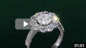 フラワー型ダイヤモンドリング 縦置き グリーン背景