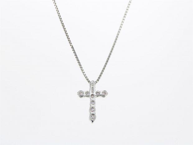 ダイヤモンドクロスプラチナペンダント(ネックレス) ヘッドの裏