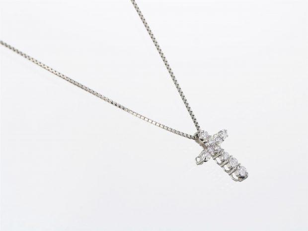 ダイヤモンドクロスプラチナペンダント(ネックレス) 右側面