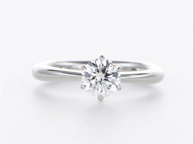 プラチナダイヤモンド エンゲージリング(婚約指輪) 正面