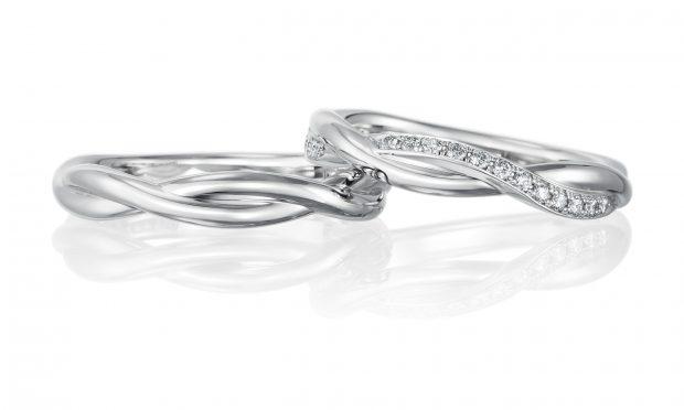 曲線が美しいマリッジリング(結婚指輪)の写真サンプル