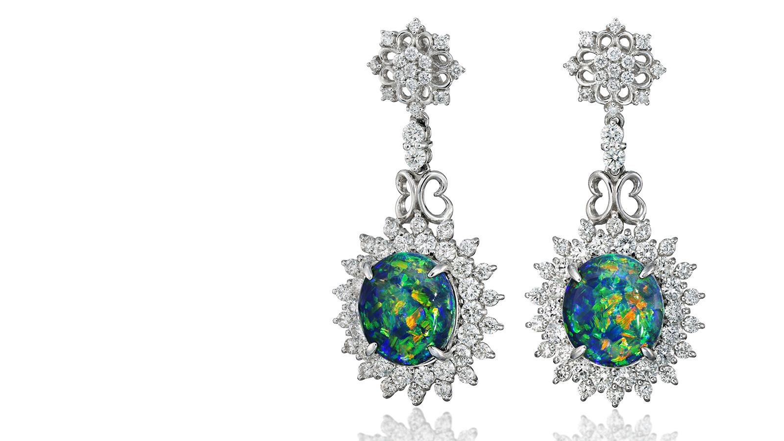 オパールのダイヤモンドピアス フォトスタジオISのトップページ画像