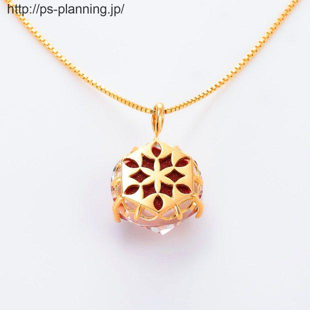水晶螺鈿 花モチーフの赤漆 イエローゴールドメッキ仕上げネックレス 裏面