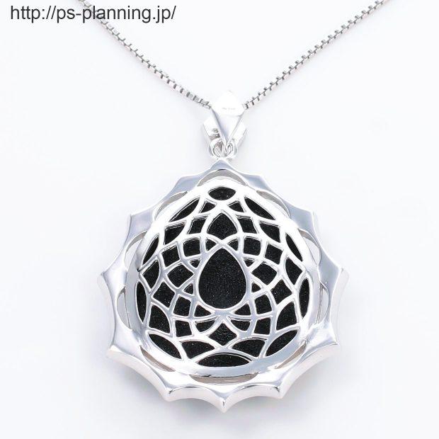 水晶螺鈿 レディーモチーフ黒漆ネックレス 裏面