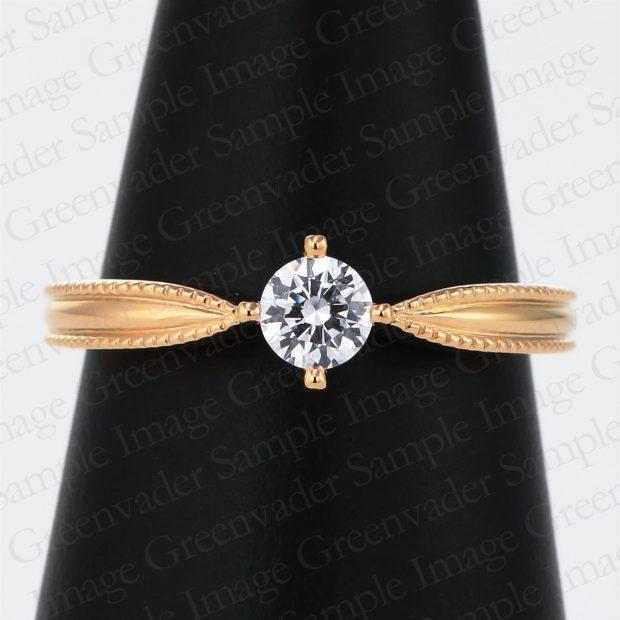 一粒ダイヤモンド 側面ミル打ち イエローゴールドファッションリング コーンスタンド 撮影実績写真サンプル-PhotoStudioIS